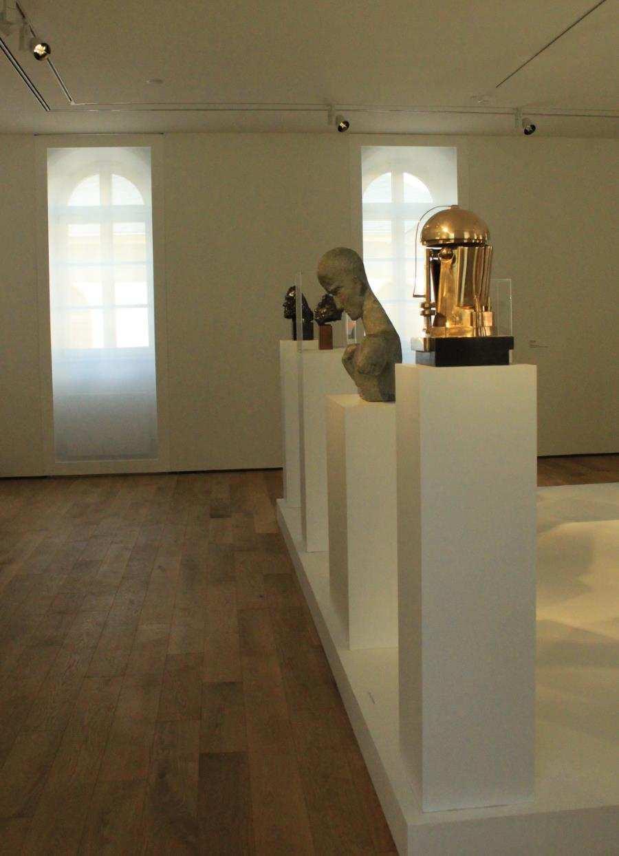 Skulpturen in der Ausstellung Mensch