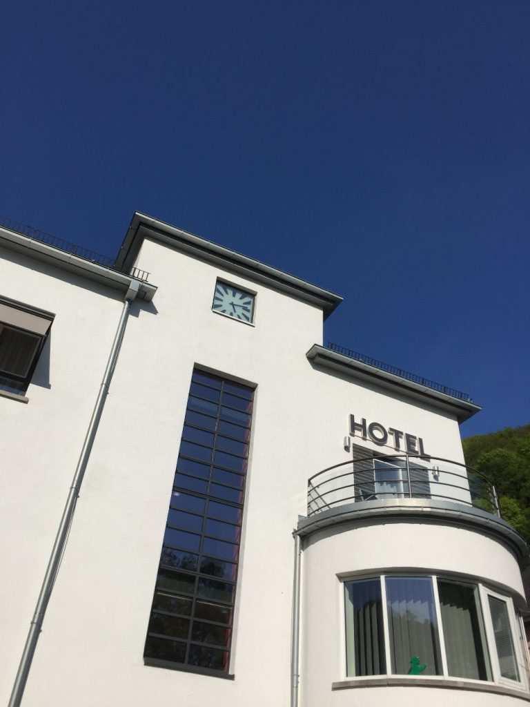 Bauhaus Baustil bauhaus architektur im rheingau hotel im schulhaus in lorch