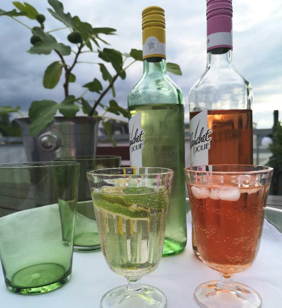 Wein Mix-Getränke auf Balkon