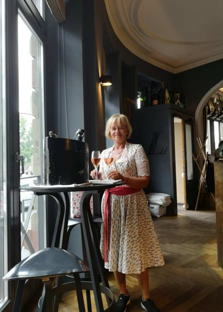 Erika Lohninger im Restaurant Lohninger