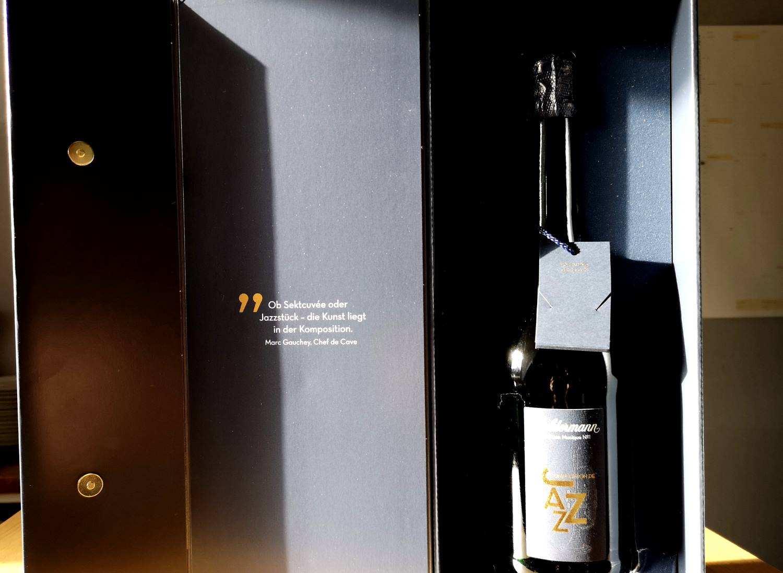Geldermann Cuvee Edition Musique im Geschenkkarton mit USB Stick inklusive musikalischem Werk von Nils Wülker, Jazztrompeter