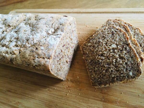 selbstgebackenes Kastenbrot_Gebrüder Brot