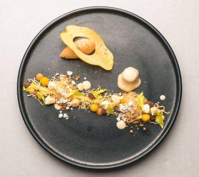 Ricky Saward-Dessert mit Sellerie und Propopolis