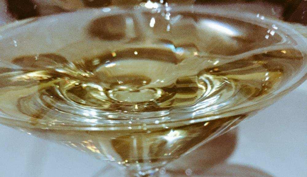 2015 Catarratto Brasi von Ferreri in Sizilien .Weißwein, der in Kastanienfässern reift.