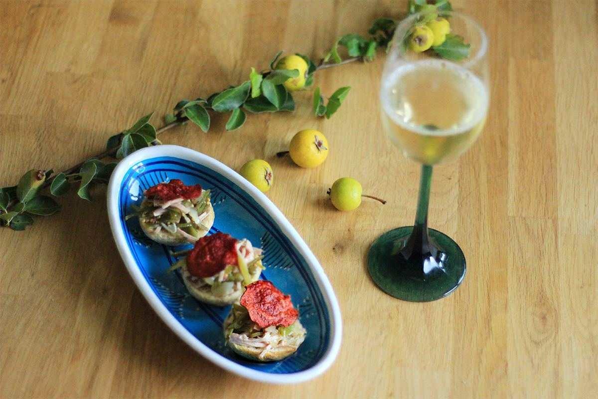 Wurstsalat mit Wein